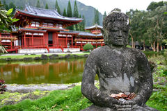 Buddha und Byodo-im Tempel Oahu, Hawaii Stockfotos