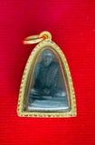 Buddha und Gold gestalten thailändisches isolat Grad der hängenden Prozente 90k Gold Stockfoto