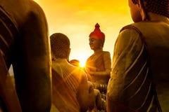 Buddha und schöner Sonnenuntergang Lizenzfreie Stockfotografie