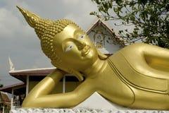 buddha utomhus- reclining Fotografering för Bildbyråer
