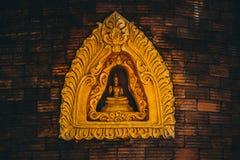 Buddha w ściennej cegle Zdjęcia Royalty Free