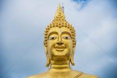 Buddha w Thailand, azjatykcia podróż, niebieskie niebo, duży Buddha obrazy royalty free