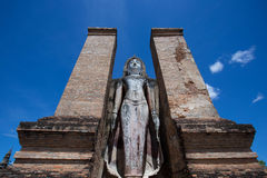 Buddha in Wat Mahathat Lizenzfreie Stockfotografie