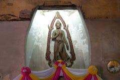 Buddha in Wat Naphameru-Tempel in historischem Park Ayutthaya von Thailand Stockbild