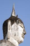 Buddha y el pájaro imagenes de archivo