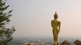 Buddhaanseendebild, Wat Phra That Khao Noi, Nan, Thailand stock video