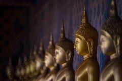 Buddhabild i templet av Thailand Royaltyfria Foton
