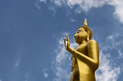 Buddhabild med himmel Fotografering för Bildbyråer