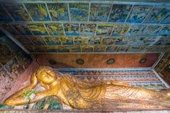 Buddhabild på den Pho segerTaung grottan i Monywa Royaltyfri Bild