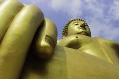 Buddhabild på himlen Arkivbild