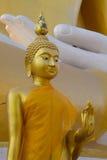Buddhabildstil på Wat Phra That Doi Kham Chiang Mai, Thailand Royaltyfri Bild