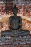 Buddhagalleri i den Wat Suthat templet, Bangkok Royaltyfria Bilder
