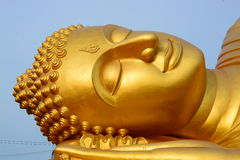 Buddhaguld i Thailand arkivfoton