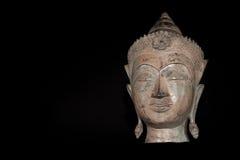 Buddhahuvud Klassisk traditionell isolerad ag för zenbuddhism staty Royaltyfria Foton