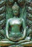Buddhakurva som göras av jade royaltyfria bilder