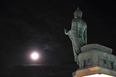Buddhamonthon con la luz de la luna Fotografía de archivo libre de regalías