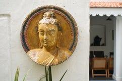 Buddhamotiv i restauranger i Pondicherry, Indien royaltyfri foto