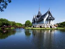 Buddhapaviljong Arkivfoto