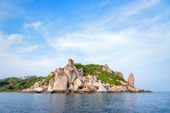 Buddhapunkt på udde i den Ko Tao ön Arkivfoto