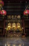 3 Buddhas в китайском виске Таиланда стоковая фотография
