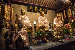 3 Buddhas в китайском виске Таиланда стоковая фотография rf
