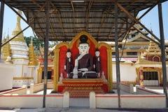 Buddhas в монастыре стоковое изображение