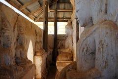 Buddhas в монастыре стоковые изображения rf
