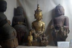 Buddhas в музее стоковая фотография rf