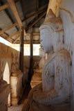 Buddhas в пагоде стоковая фотография rf