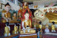 Buddhas в пагоде стоковые фотографии rf