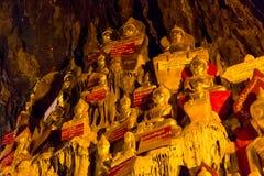Buddhas в пещерах Pindaya, Мьянма стоковые изображения