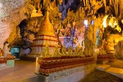 Buddhas в пещерах Pindaya, Мьянма стоковое изображение