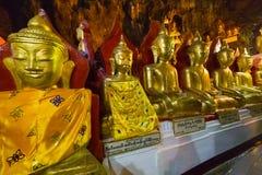 Buddhas в пещерах Pindaya, Мьянма стоковое фото rf