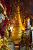 Buddhas в пещерах Pindaya, Мьянма стоковое фото