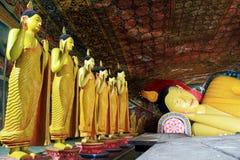 Buddhas в Mulkirigala стоковое фото