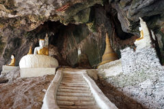 Buddhas и лестница стоковое изображение