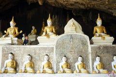Buddhas и мальчик стоковые изображения rf