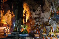 Buddhas и stupa стоковое фото