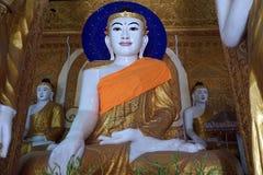 Buddhas на алтаре стоковые изображения rf