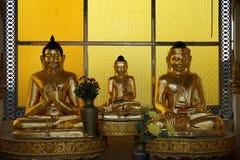 Buddhas на алтаре стоковое фото rf