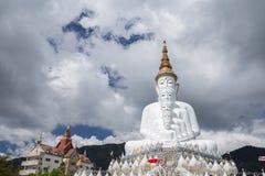 5 Buddhas на виске Kaew сына Wat Phra Thad Pha, Таиланде стоковое фото rf