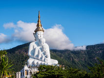 5 Buddhas на виске phasornkaew Wat стоковая фотография rf