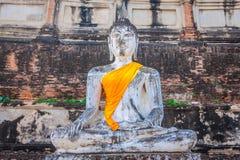 Buddhas на виске Wat Yai Chai Mongkol в Ayutthaya, Thail стоковое фото rf