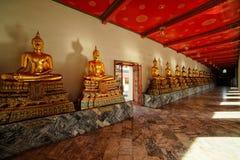 Buddhas au temple de Wat Pho, Bangkok, Thaïlande Photo stock