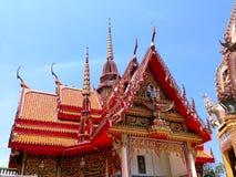 Buddhas bij de tempel Stock Afbeelding