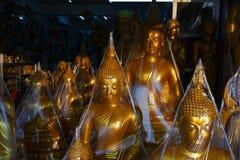 Buddhas dla sprzedaży w Buddha rynku Fotografia Stock