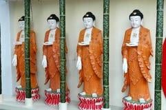 Buddhas em uma fileira fotos de stock royalty free