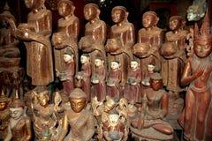 Buddhas en las cuevas de Pindaya Imágenes de archivo libres de regalías