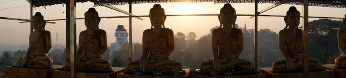 Buddhas en zonsopgang Royalty-vrije Stock Afbeeldingen