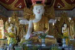 Buddhas et lever de soleil Photographie stock libre de droits